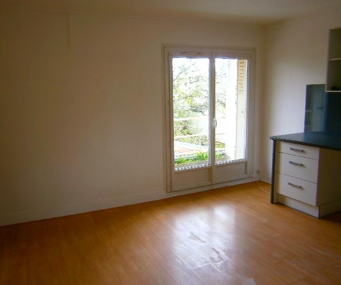 Location appartement f3 50 m2 saint jean de braye for Code postal 45800